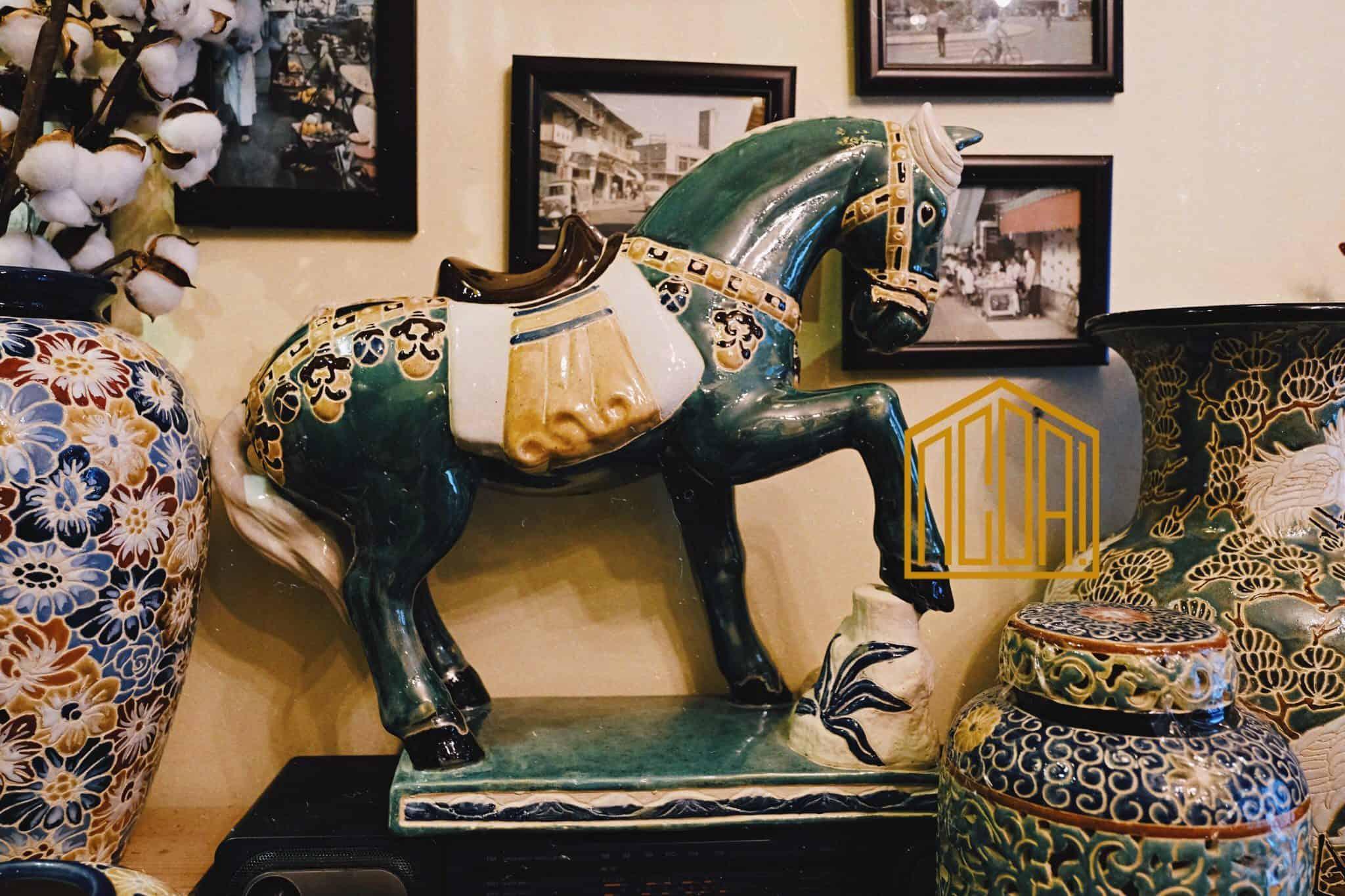 ngựa gốm