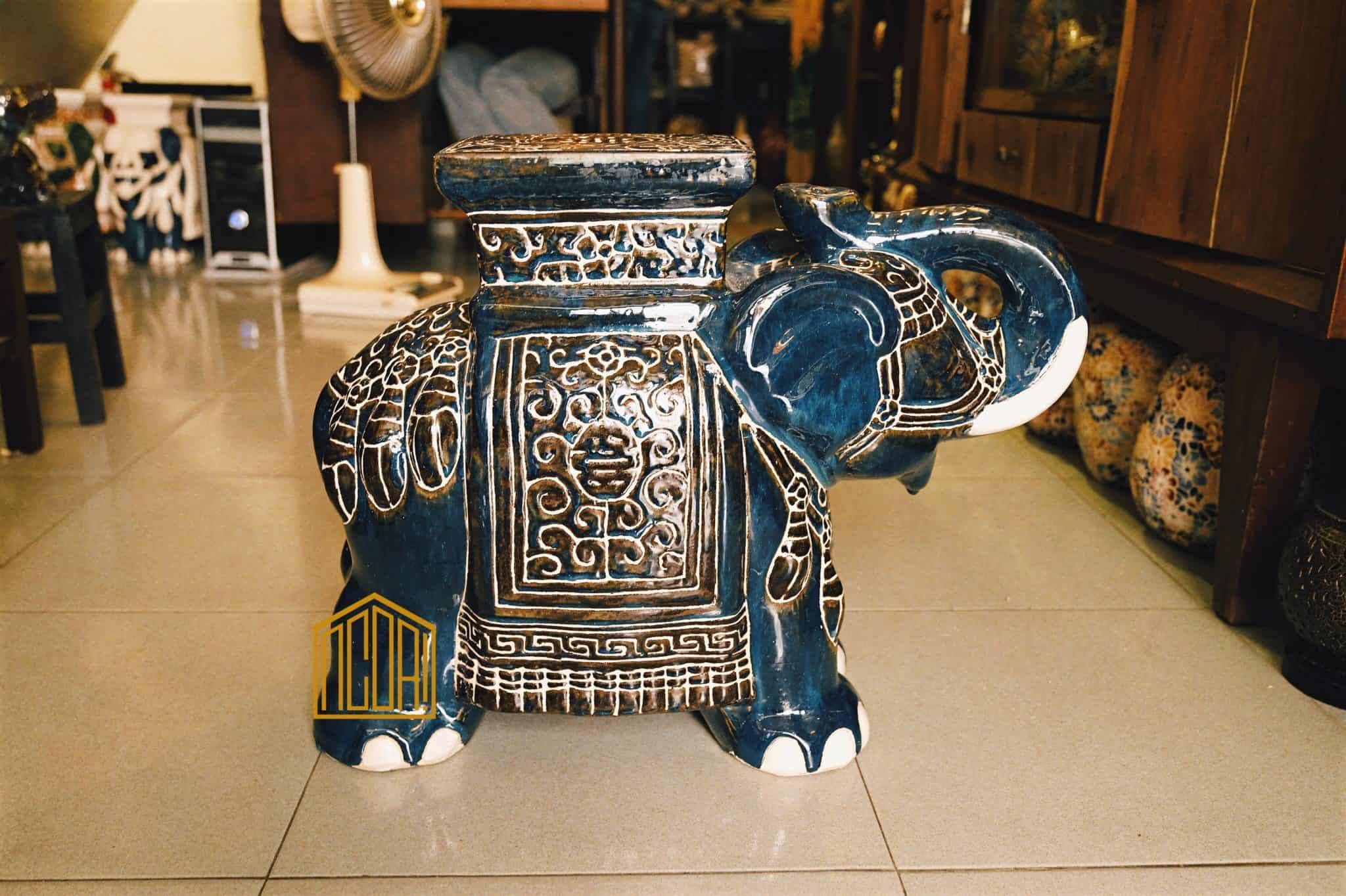 đôn voi lục thủy